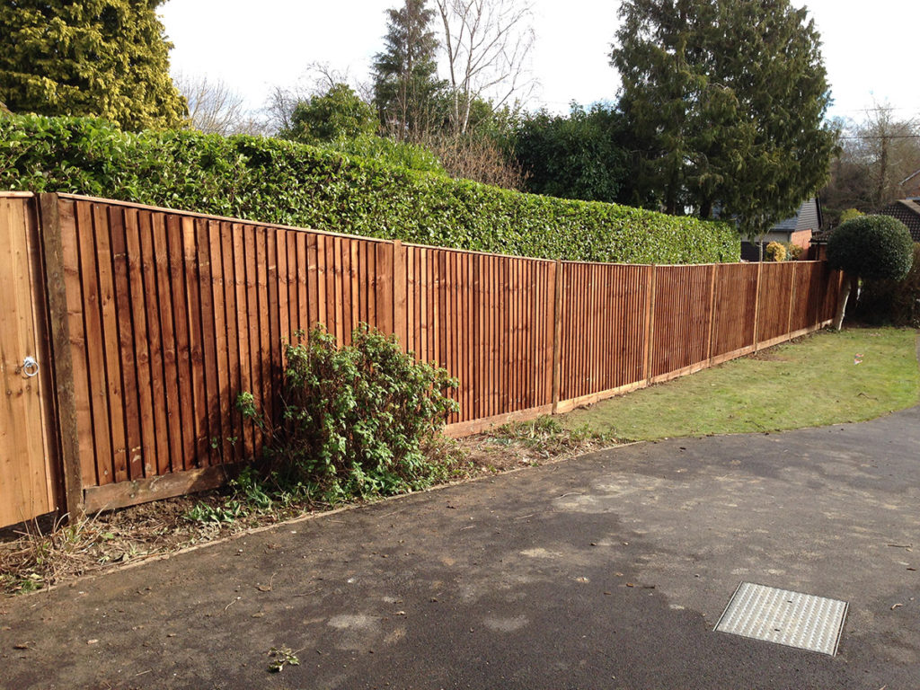 fence panels fencing contractors in winchester and eastleigh. Black Bedroom Furniture Sets. Home Design Ideas